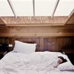 睡眠の質をアップ!リラックス系夜ヨガで「質の高い睡眠」を得る方法