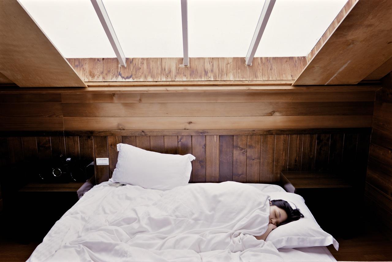 リラックス系ヨガで「質の高い睡眠」を得る方法